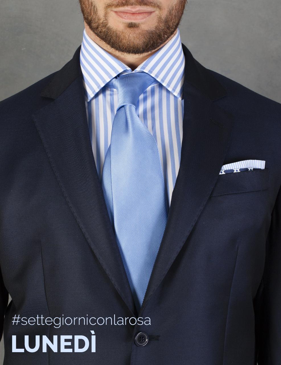 Camicia Pari Largo Azzurro 100% Cotone E' una camicia studiata per sposare le esigenze di confort e libertà con l'eleganza e la classe della tradizione. Fornisce all'abito classico un impronta più disinvolta, consentendo in alternativa di essere indossata con abbigliamento più informale.